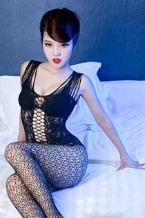 红唇黑丝绝色美女妖娆魅惑写真